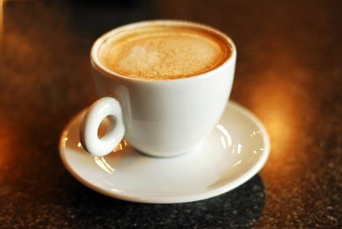 Le café, comme tout le monde le sait, reste un excitant, mais est-il ...: www.u-trail.com/le-cafe-un-carburant-pour-le-coureur