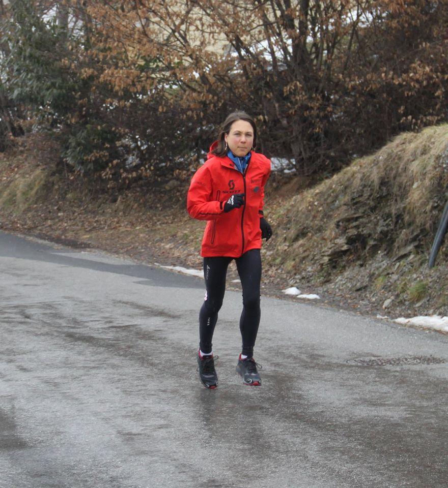 celine royal blue trapeze - Celine Lafaye rejoint le team inov-8   U-trail